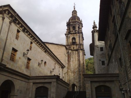 Bergara - church and medieval center